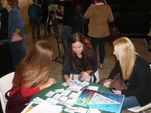 Parties de jeux avec des jeunes de Macédoine