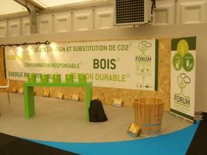 Le jeu éco6thèmes Forêt et bois sur le stand des forestiers